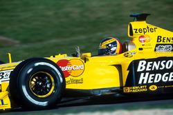 Heinz Harald Frentzen, Jordan Mugen Honda 199 takes the pole
