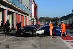 #130 DAC Motorsport: Brandon Gdovic, Emmanuel Anassis, crashed car