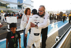 Felipe Massa, Williams, Mansour Ojjeh, CEO, TAG