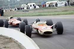 Graham Hill, Lotus 49B-Ford y Chris Amon, Ferrari 312
