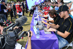 Andre Lotterer, Techeetah, Jean-Eric Vergne, Techeetah, sign autographs for fans