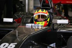 Rio Haryanto(Honda Test-car)