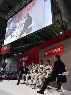Derek Warwick, Dan Ticktum, Harrison Scott ve Max Fewtrell ve Henry Hope-Frost, Autosport Stage
