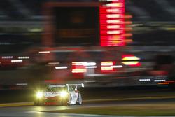 رقم 58 فريق رايت موتورسبورتس: كريستينا نيلسن وماتيو جامينيت وباتريك لونغ وروبرت ريناور