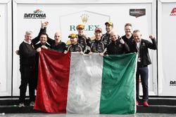 #11 GRT Grasser Racing Team Lamborghini Huracan GT3, GTD: Рольф Інайчхн, Мірко Бортолотті, Франк Перера, Рік Брьойкерс, подіум