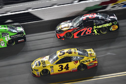 Michael McDowell, Front Row Motorsports Ford Fusion, Martin Truex Jr., Furniture Row Racing Toyota