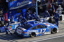 Ricky Stenhouse Jr., Roush Fenway Racing Ford Fusion pit stop
