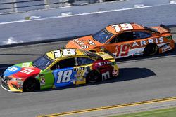Kyle Busch, Joe Gibbs Racing Toyota en Daniel Suarez, Joe Gibbs Racing Toyota