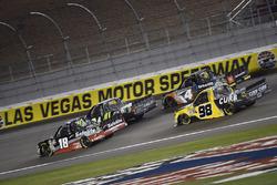 Noah Gragson, Kyle Busch Motorsports, Toyota Tundra Safelite y Grant Enfinger, ThorSport Racing, Ford F-150