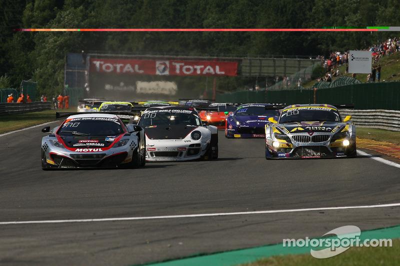 Eerste ronde; #107 Hexis Racing McLaren MP4-12C: Olivier Panis, Laurent Cazenave, Eric Debard, Côme Ledogar