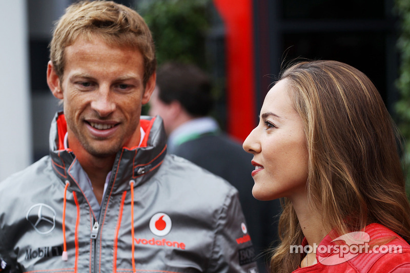 Jenson Button, McLaren with his girlfriend Jessica Michibata