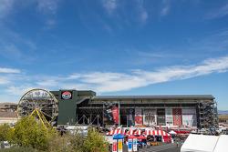 Cielo azul en Sonoma Raceway
