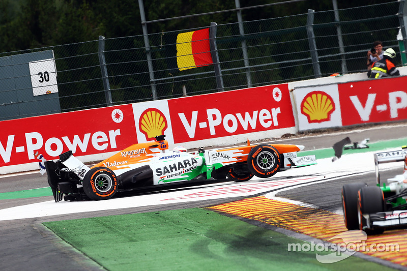 Paul di Resta, Sahara Force India retires from the race after colliding with Pastor Maldonado, Williams