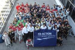 Foto grupal de pilotos para el evento de FIA