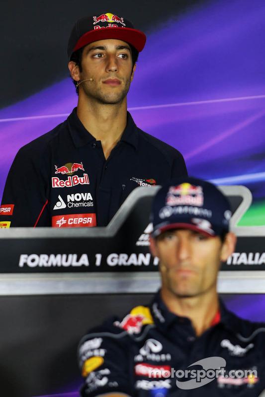 Mark Webber, Red Bull Racing en Daniel Ricciardo, Scuderia Toro Rosso bij de FIA-persconferentie