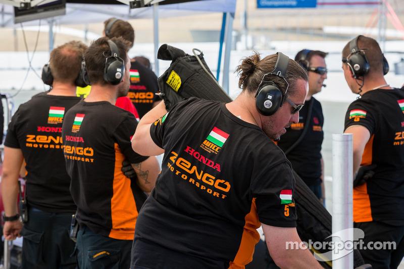 Zengo motorsport tijdens de kwalificatie