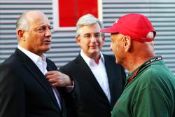 Ron Dennis, McLaren Executive Chairman, with Niki Lauda, Mercedes Non-Executive Chairman