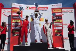 Trofeo Pirelli: Onofrio Triarsi, Mark McKenzie, Michael Scein