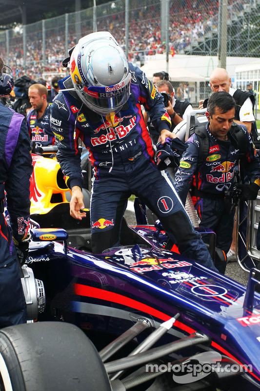 Sebastian Vettel, Red Bull Racing RB9 on the grid