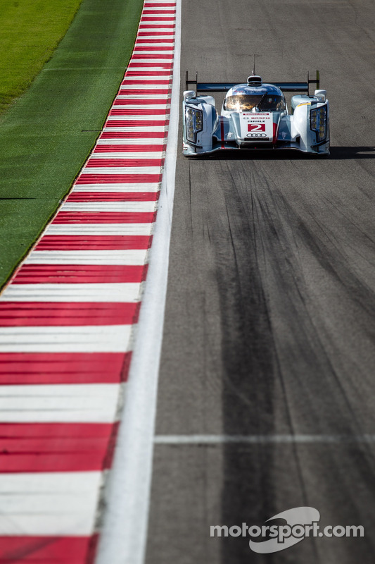 #2 Audi Sport Team Joest Audi R18 e-tron quattro on the track