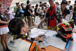 Handtekeningensessie, Norbert Michelisz, Honda Civic, Zengo Motorsport