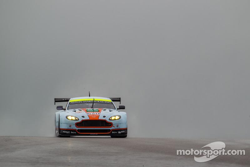 #97 Aston Martin Racing Aston Martin Vantage V8: Stefan Mücke, Darren Turner, Oliver Gavin