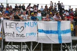 Een banner op de tribune