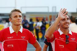 (L naar R): Max Chilton, Marussia F1 Team met Jules Bianchi, Marussia F1 Team