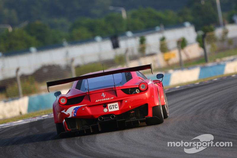 #77 AF Corse Ferrari 458 GT3: Steve Wyatt, Michele Rugolo, Andrea Bertolini