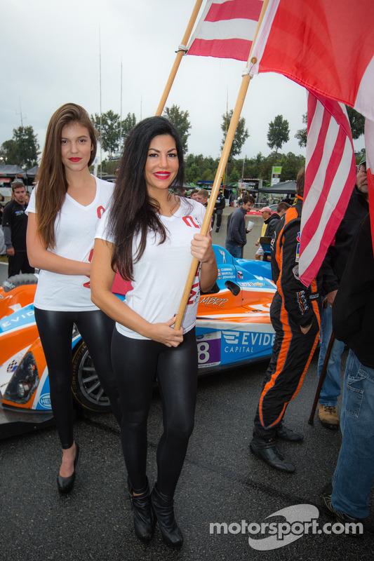 Charmante BAR 1 Motorsports girls