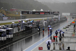 Race stopped due to heavy rain