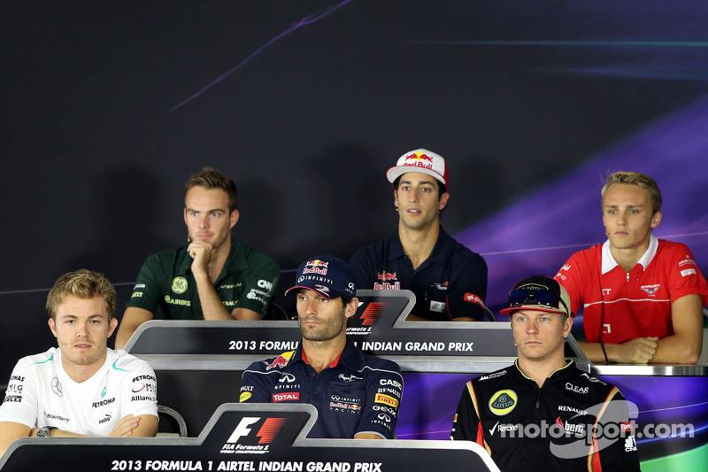 Nico Rosberg, Mercedes GP, Mark Webber, Red Bull Racing, Kimi Raikkonen, Lotus F1 Team, Giedo van de
