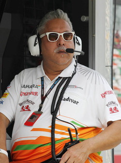 Dr. Vijay Mallya, Eigenaar Sahara Force India F1 aan de pitmuur