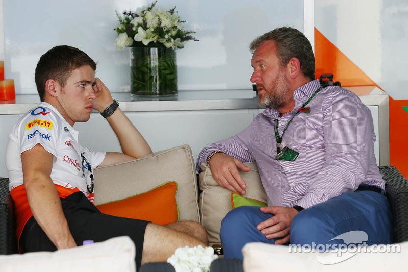 (L naar R): Paul di Resta, Sahara Force India F1 met Richard Goddard, Manager