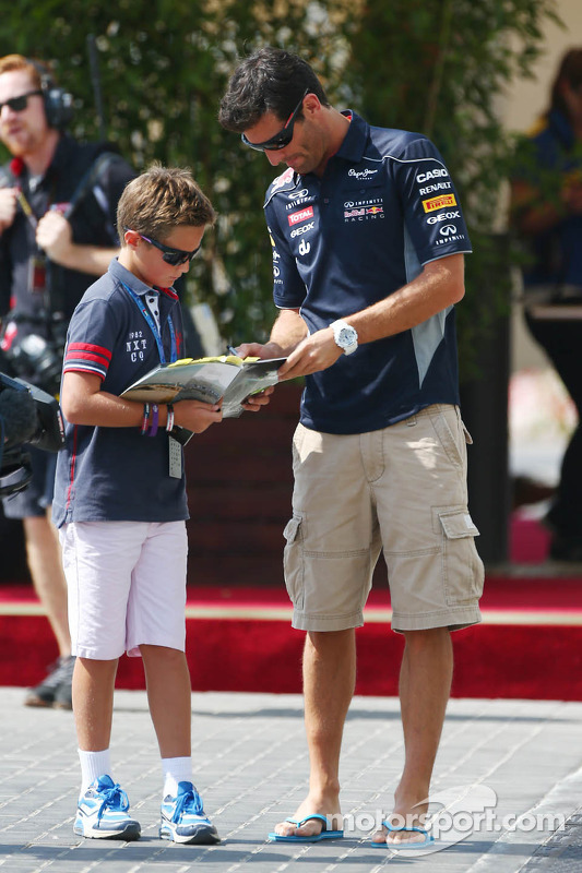 Mark Webber, Red Bull Racing assina autógrafos para os fãs