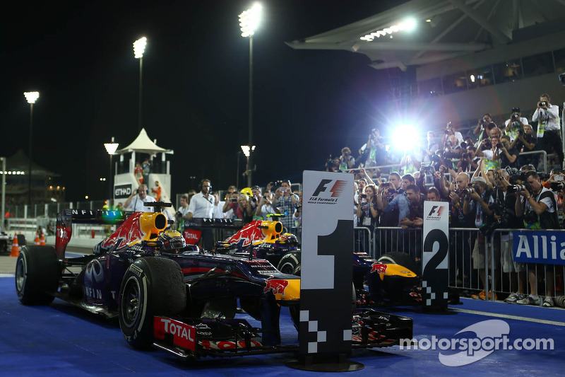 1e plaats Sebastian Vettel, Red Bull Racing, 2e plaats voor place Mark Webber, Red Bull Racing