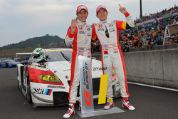 GT300 campeões Hideki Mutoh, Yuhki Nakayama