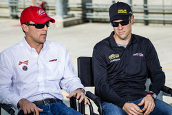 Interviews with Kevin Harvick, Richard Childress Racing Chevrolet and Matt Kenseth, Joe Gibbs Racing Toyota