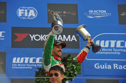Podium: 2nd Tiago Monteiro, Honda Civic Super 2000 TC, Honda Racing Team Jas