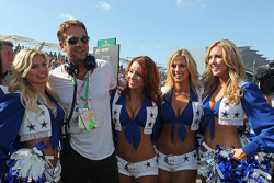 Gerard Butler, Actor on the grid with the Dallas Cowboys Cheerleaders