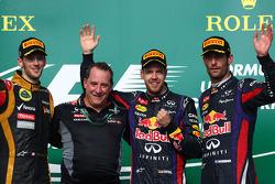 Podium: Sieger Sebastian Vettel, Red Bull Racing; 2. Romain Grosjean, Lotus F1 Team; 3. Mark Webber, Red Bull Racing