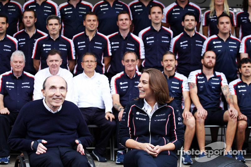 (L naar R): Frank Williams, Eigenaar Williams en Claire Williams, Adjunct-teambaas Williams op de te