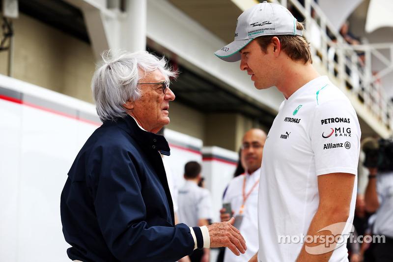 Bernie Ecclestone con Nico Rosberg, Mercedes AMG F1