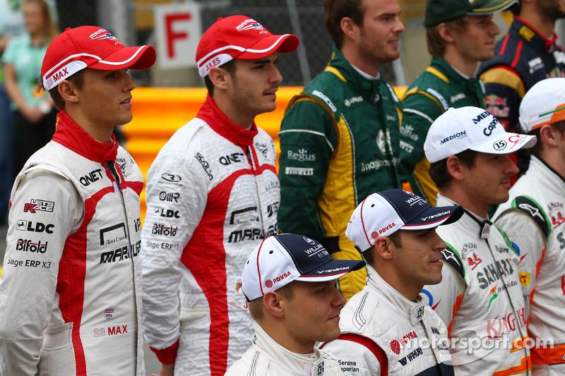 (L naar R): Max Chilton, Marussia F1 Team en teamgenoot Jules Bianchi, Marussia F1 Team op de eindej