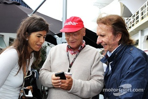 Niki Lauda, Mercedes Non-Executive Chairman with Emerson Fittipaldi