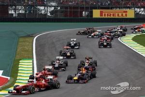 Fernando Alonso, Ferrari F138 at the start of the race