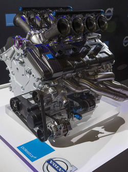 Volvo unveils its V8 engine to be used in V8 Supercars in 2014