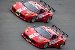#64 Scuderia Corsa Ferrari 458 İtalya: Rod Randall, John Farano, Ken Wilden, David Empringham, #63 Scuderia Corsa Ferrari 458 İtalya: Alessandro Balzan, Jeff Westphal, Toni Vilander, Lorenzo Case