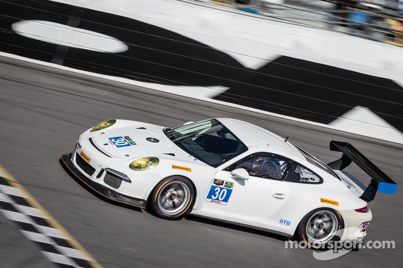 #30 NGT Motorsport 保时捷 911 GT America: 恩里克·西斯内罗斯, 克里斯蒂娜·尼尔森, 弗里德利·马可维基, 库巴·吉尔马兹亚克