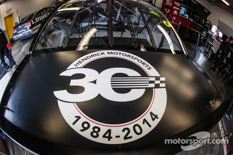 Hendrick Motorsports Chevrolet'nin 30. yıldönümü mesajı Dale Earnhardt Jr.'ın aracında